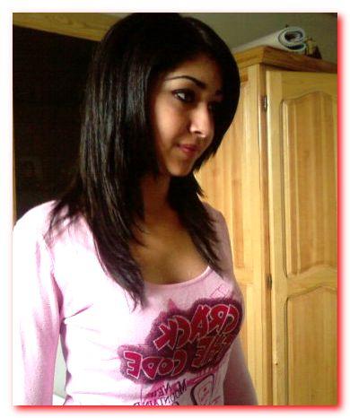 بنت مراهقة جميلة كويتية