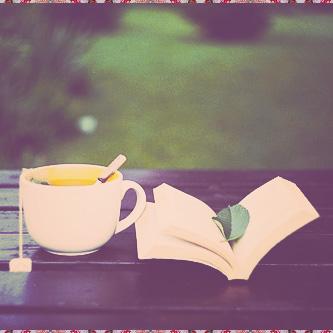 صور صباح الخير رمزية جميلة كتاب وفنجان قهوة