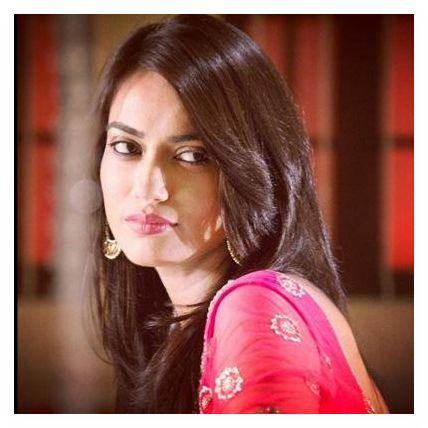 سوربي جيوتي Surbhi Jyoti صور زويا بطلة مسلسل قبول (11)
