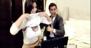 كيم كارداشيان ترفع قميصها في دردشة مع شخص غريب على الانترنت
