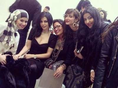 هيفا والفتيات السعوديات في عرض أزياء