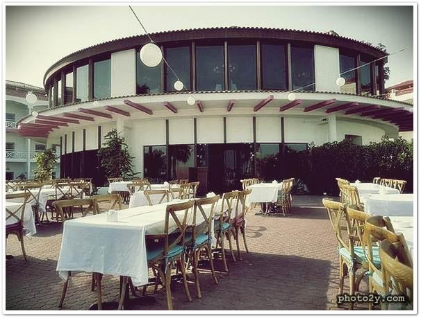 مطعم الميّاس من افضل مطاعم لبنانية في الكويت