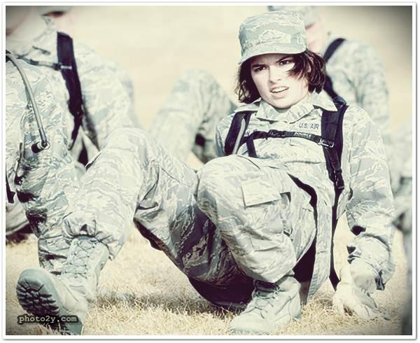 بنات بملابس الجيش الشرطة صور بنات عسكرية